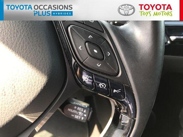 Photo miniature de la Toyota C-HR 122h Distinctive 2WD E-CVT 2017 d'occasion