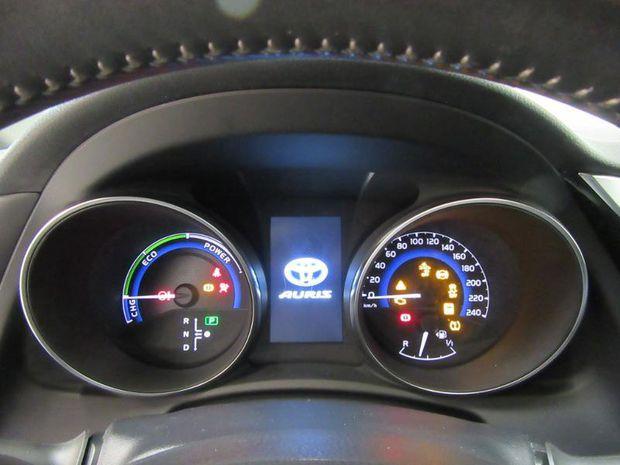 Photo miniature de la Toyota Auris HSD 136h Collection 2018 d'occasion