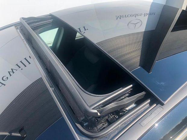 Photo miniature de la Mercedes Classe A Berline 180 d 116ch AMG Line 7G-DCT 2019 d'occasion