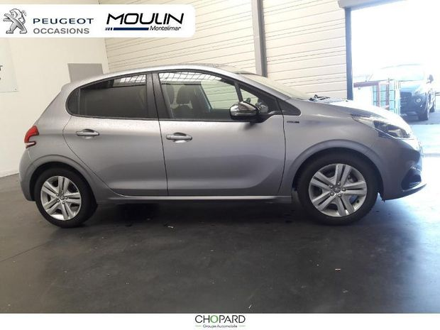 Photo miniature de la Peugeot 208 1.5 BlueHDi 100ch E6.c Signature BVM5 86g 5p 2019 d'occasion