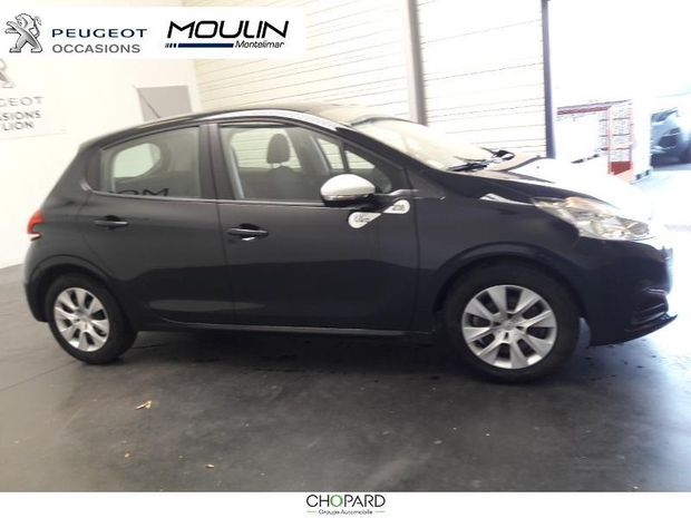 Photo miniature de la Peugeot 208 1.2 PureTech 68ch E6.c Like 5p 2019 d'occasion