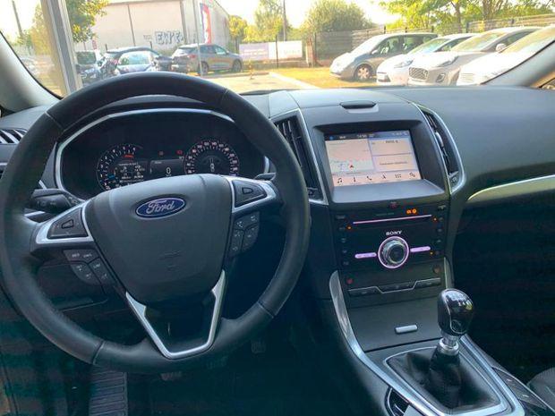 Photo miniature de la Ford S-MAX 2.0 EcoBlue 150ch Titanium Euro6.2 2019 d'occasion