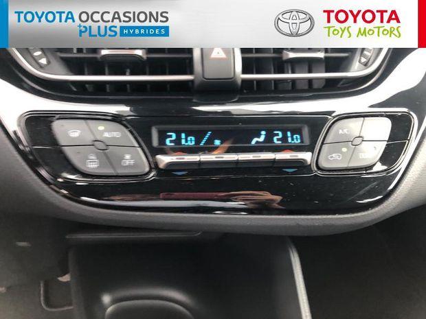 Photo miniature de la Toyota C-HR 122h Dynamic 2WD E-CVT RC18 2019 d'occasion