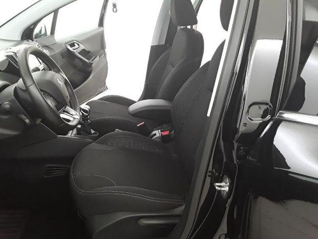 Photo miniature de la Peugeot 208 1.5 BlueHDi 100ch E6.c Allure 5p 2018 d'occasion