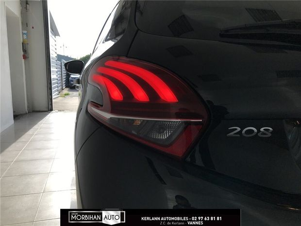 Photo miniature de la Peugeot 208 1.2 PURETECH 82CH BVM5 2018 d'occasion