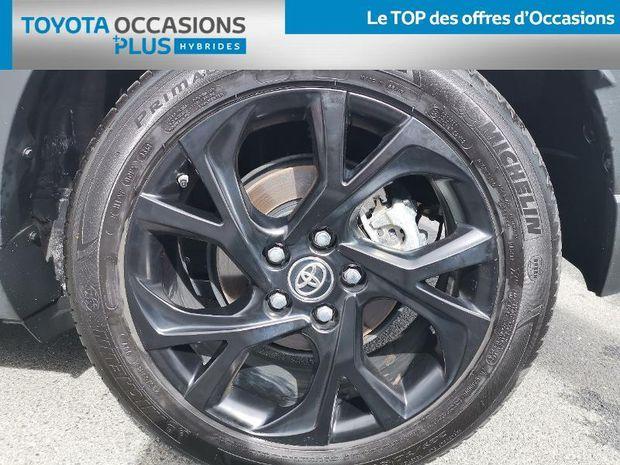Photo miniature de la Toyota C-HR 122h Graphic 2WD E-CVT RC18 2020 d'occasion