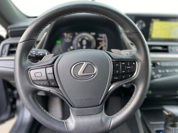 Photo miniature de la Lexus ES 300h 2019 d'occasion