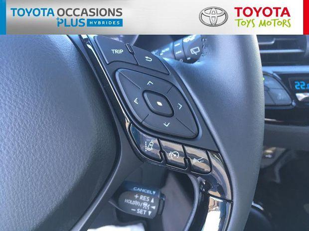 Photo miniature de la Toyota C-HR 122h Graphic 2WD E-CVT MC19 2020 d'occasion