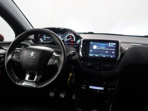 Photo miniature de la Peugeot 208 1.2 PureTech 110ch Roland Garros S&S 5p 2017 d'occasion
