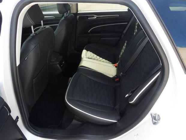 Photo miniature de la Ford Mondeo SW 2.0 HYBRID 187ch Vignale BVA 7cv 2020 d'occasion