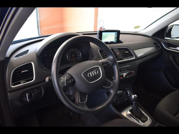 Photo miniature de la Audi Q3 2.0 TDI 150ch Business line quattro S tronic 7 2018 d'occasion