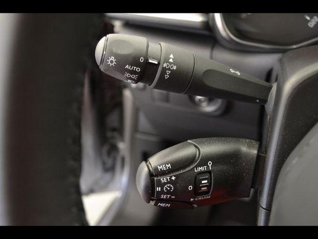 Photo miniature de la Citroën C3 PureTech 110ch Shine S&S E6.d 2019 d'occasion