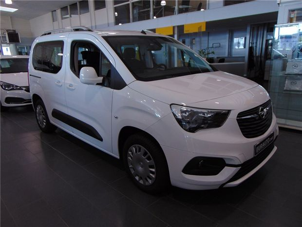 Photo miniature de la Opel Combo L1H1 1.5 DIESEL 100 CH START/STOP 2018 d'occasion