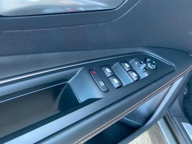 Photo miniature de la Peugeot 3008 2.0 BlueHDi 180ch GT S&S EAT6 2017 d'occasion