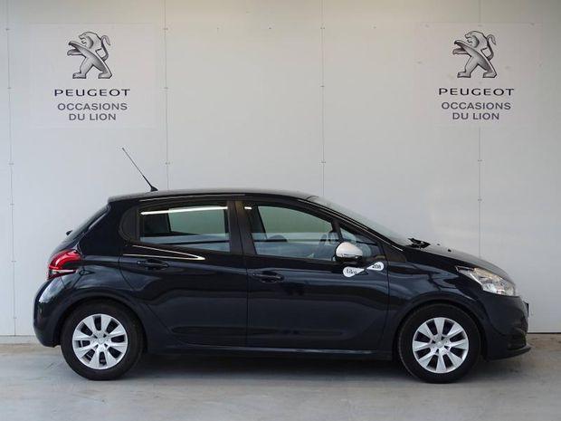 Photo miniature de la Peugeot 208 1.2 PureTech 68ch E6.c Like 5p 2018 d'occasion