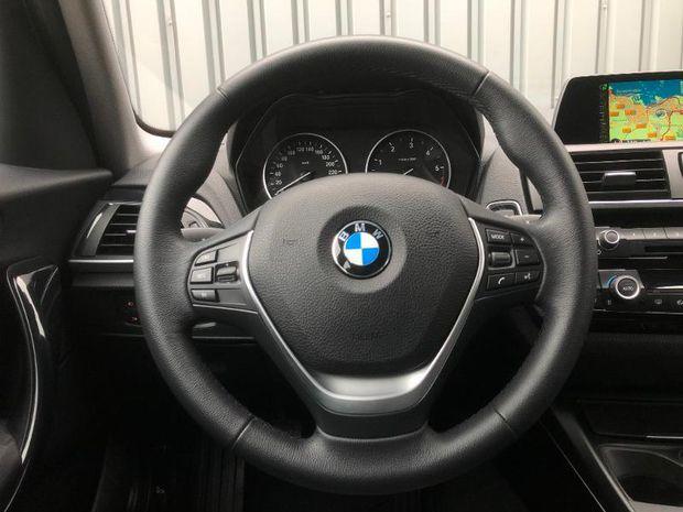 Photo miniature de la BMW Serie 1 114d 95ch UrbanChic 5p 2017 d'occasion