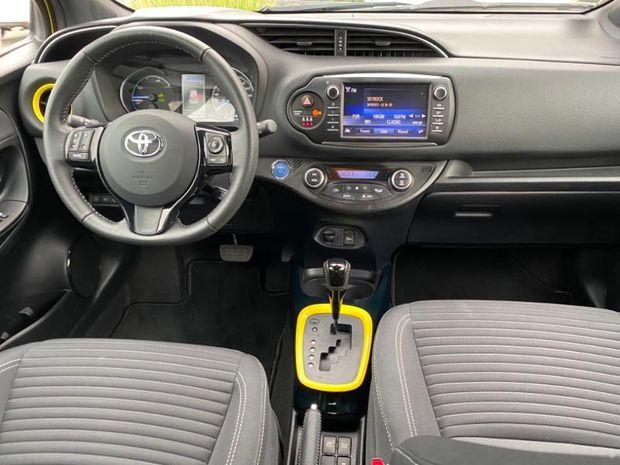 Photo miniature de la Toyota Yaris 100h Collection Jaune 5p 2018 d'occasion