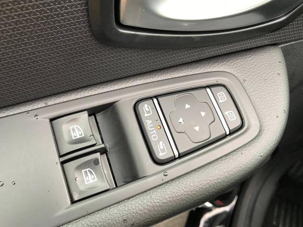 Photo miniature de la Renault Clio 1.5 dCi 90ch energy Limited 5p Euro6c 2019 d'occasion