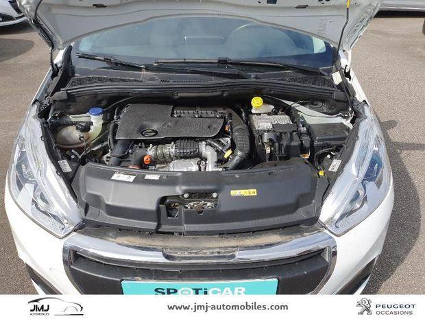 Photo miniature de la Peugeot 208 1.6 BlueHDi 75ch Allure Business S&S 5p 2016 d'occasion