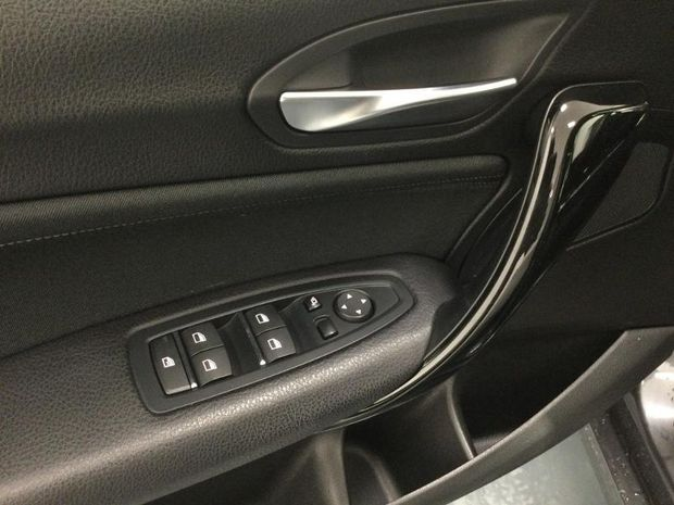 Photo miniature de la BMW Serie 1 116dA 116ch Business Design 5p Euro6c 2018 d'occasion