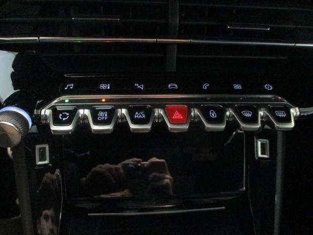 Photo miniature de la Peugeot 2008 1.2 PureTech 130ch S&S GT Line 2019 d'occasion