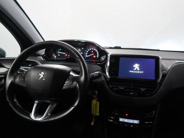 Photo miniature de la Peugeot 208 1.2 PureTech 110ch Allure S&S EAT6 5cv 5p 2017 d'occasion