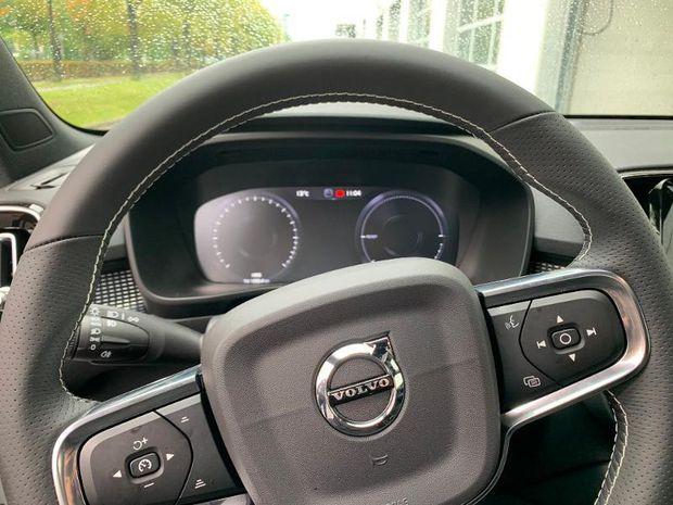 Photo miniature de la Volvo XC40 T5 Recharge 180 + 82ch R-Design DCT 7 2020 d'occasion