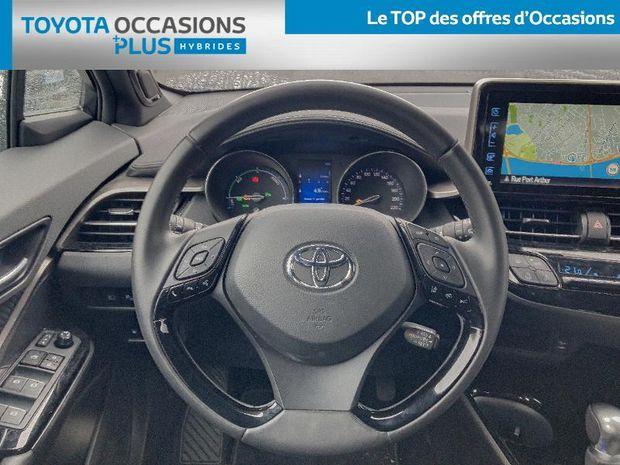 Photo miniature de la Toyota C-HR 122h Collection 2WD E-CVT RC18 2019 d'occasion