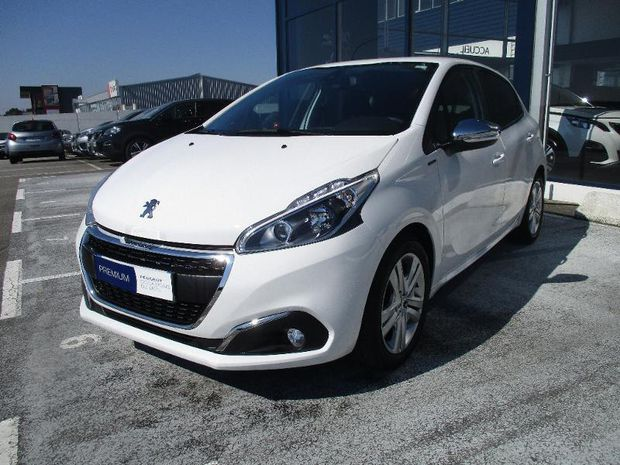 Photo miniature de la Peugeot 208 1.2 PureTech 82ch E6.c Signature 5p 2019 d'occasion