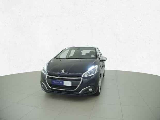 Photo miniature de la Peugeot 208 1.6 BlueHDi 100ch Style 5p 2018 d'occasion