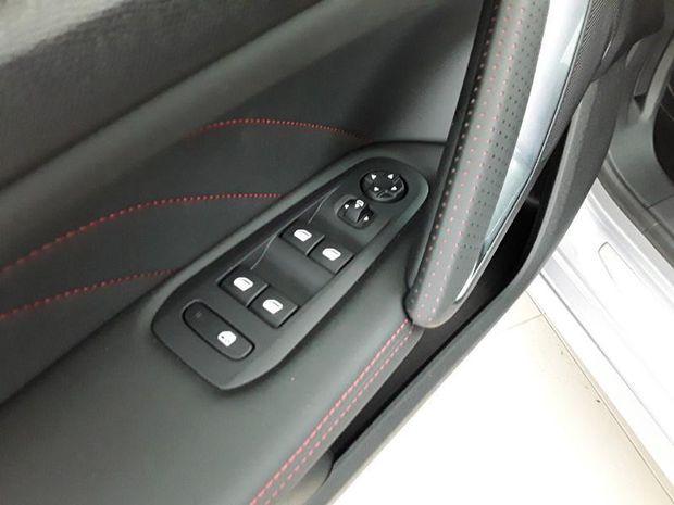 Photo miniature de la Peugeot 308 SW 1.2 PureTech 130ch E6.3 S&S GT Line EAT8 7cv 2020 d'occasion