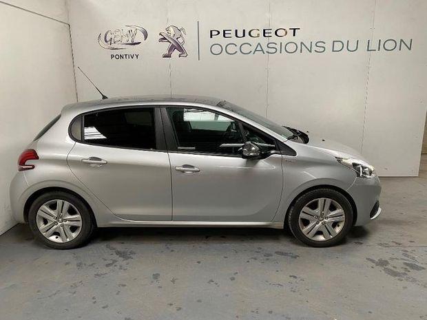 Photo miniature de la Peugeot 208 1.2 PureTech 82ch Style 5p 2018 d'occasion