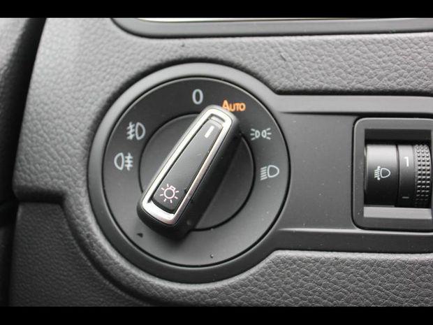 Photo miniature de la Volkswagen Polo 1.2 TSI 90ch BlueMotion Technology Confortline 3p 2017 d'occasion
