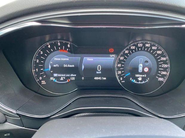 Photo miniature de la Ford Mondeo 2.0 TDCi 150ch Titanium 5p Euro6.2 2018 d'occasion