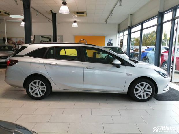 Photo miniature de la Opel Astra Sports Tourer 1.6 D 110ch Business Edition Euro6d-T 2019 d'occasion