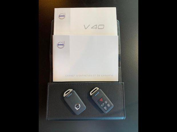Photo miniature de la Volvo V40 D2 120ch Inscription Geartronic 2018 d'occasion