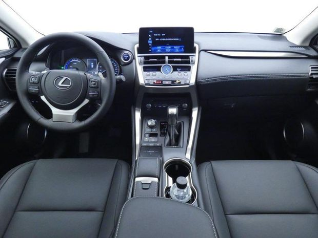 Photo miniature de la Lexus NX 300h 2WD Design MY21 2020 d'occasion