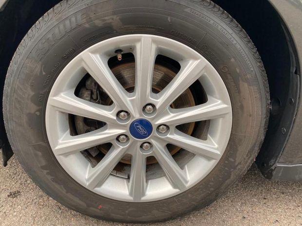 Photo miniature de la Ford Grand C-MAX 1.5 TDCi 120ch Stop&Start Titanium X PowerShift Euro6.2 2018 d'occasion