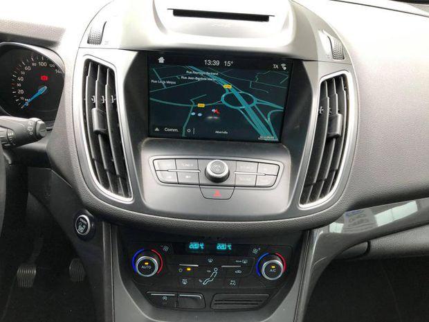 Photo miniature de la Ford C-MAX 1.0 EcoBoost 100ch Stop&Start Titanium Euro6.2 2018 d'occasion