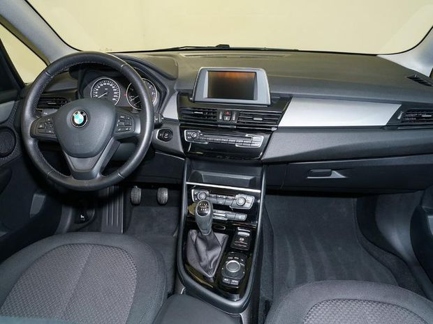 Photo miniature de la BMW Serie 2 ActiveTourer 214d 95ch Lounge 2017 d'occasion