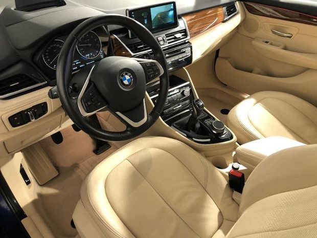 Photo miniature de la BMW Serie 2 ActiveTourer 218i 136ch Luxury 2017 d'occasion