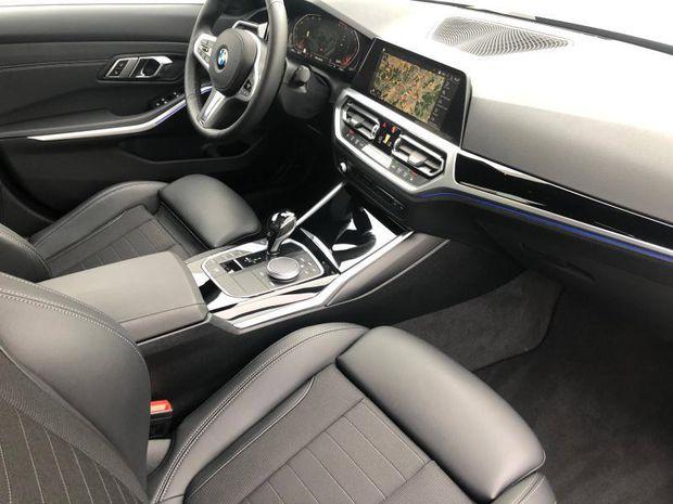 Photo miniature de la BMW Serie 3 Série 3 318dA 150ch Edition Sport 2019 d'occasion