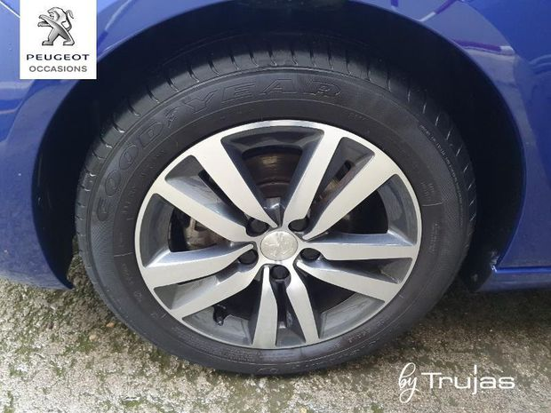 Photo miniature de la Peugeot 308 1.2 PureTech 110ch E6.c S&S Allure 5cv 2019 d'occasion