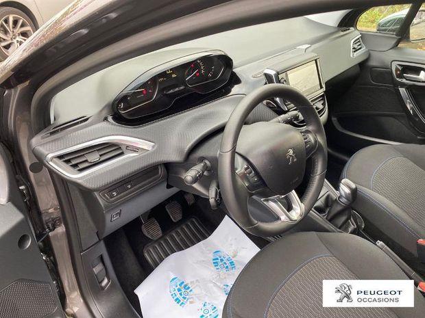 Photo miniature de la Peugeot 208 1.5 BlueHDi 100ch E6.c Signature BVM5 5p 2019 d'occasion