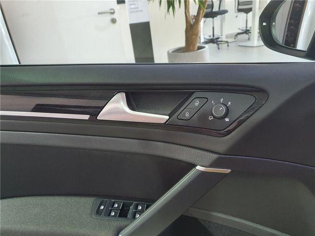 Photo miniature de la Volkswagen Golf 2.0 TDI 150 FAP DSG7 2019 d'occasion