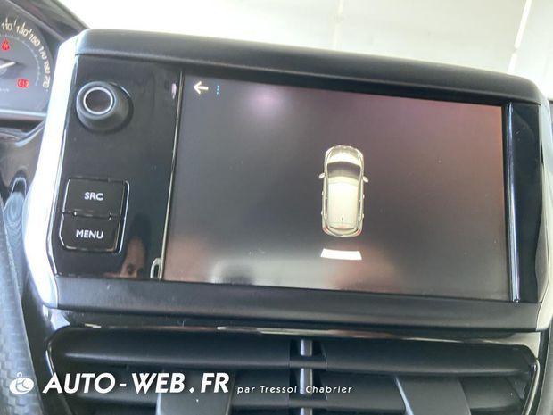 Photo miniature de la Peugeot 208 1.6 BlueHDi 75ch S&S BVM5 Allure Business 2017 d'occasion
