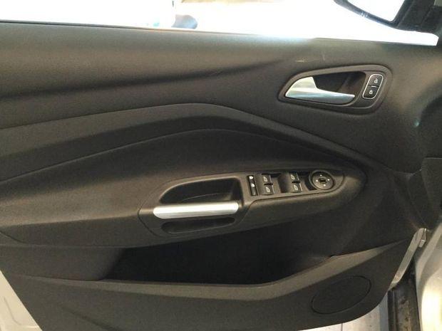 Photo miniature de la Ford C-MAX 1.0 EcoBoost 125ch Stop&Start Titanium 2017 d'occasion