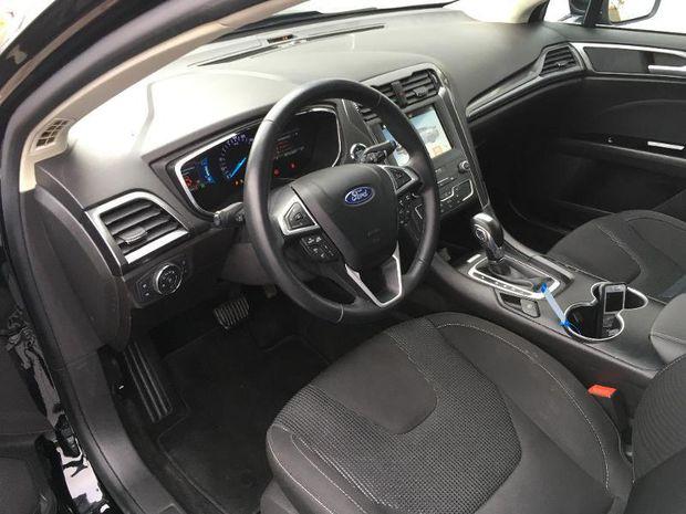 Photo miniature de la Ford Mondeo 2.0 HYBRID 187ch Titanium BVA 4p 2019 d'occasion