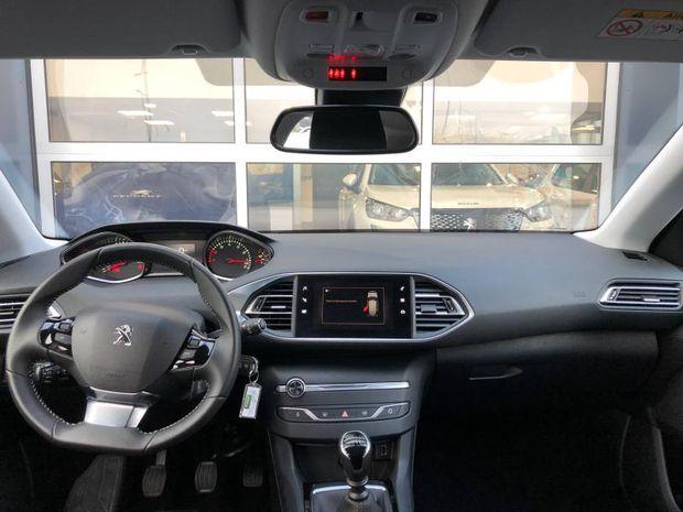 Photo miniature de la Peugeot 308 1.2 PureTech 110ch E6.3 S&S Style 2020 d'occasion