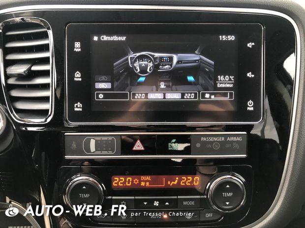 Photo miniature de la Mitsubishi Outlander 2.4l PHEV Twin Motor 4WD Intense 2018 d'occasion